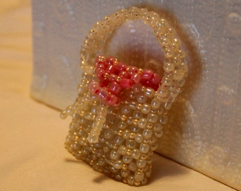 Cute beaded jewelry-case in Tote bag-form; handmade, white, pink, beadweaving, Art&Collectibels, Collectibles, Figurines and Knick Knacks