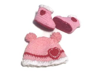 Baby Girl Gift Set, Newborn Girl Hat/ Boots  with Hearts Double Pompoms, Girl Shower Pink Infant Crochet Boots/ Cap, Newborn 3 6 months old