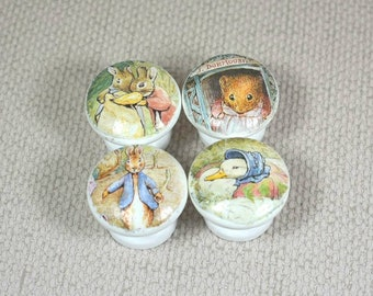 Beatrix Potter, Peter Rabbit & Jemima lapin boutons en bois, parfait pour les poignées de tiroirs ou de boutons de commode dans baby Nursery, 3,5 cm de diamètre