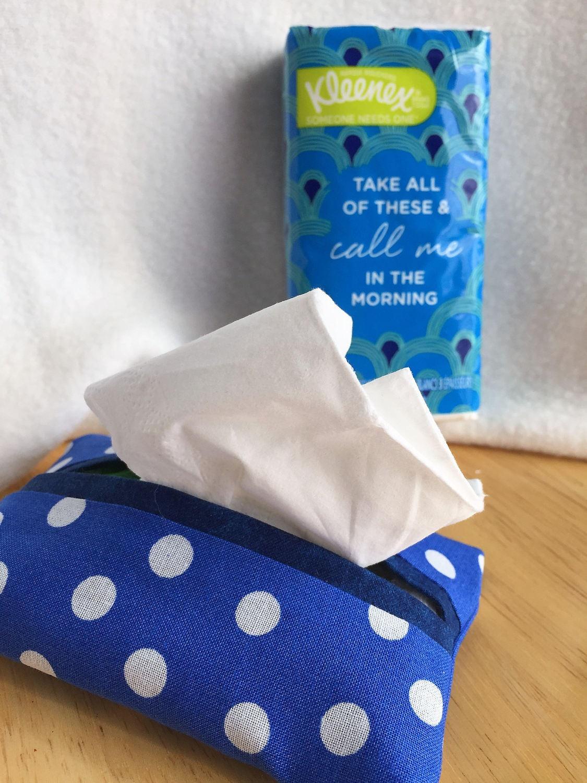 Tasche Kleenex Papierrollenhalter in fröhlichen blau und weiß