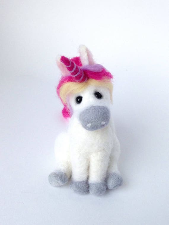 Needle Felted Unicorn - felt unicorn - Felted unicorn - felted animal - Needed felted animals - miniature Unicorn - Gift for her - OOAK