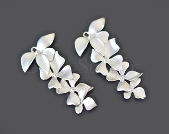 2pcs - Matte Rhodium Plated Four Orchid Connector (B0218R) - Flower pendant, Charm, Wholesale finding, Wedding jewelry, Silver necklace