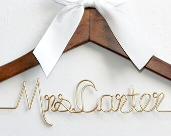Wedding Gift,Bridesmaids hanger,Bridal Shower Gift, Personalized Bride Hanger, custom wedding hanger, Bride and Bridesmaid dress hanger,
