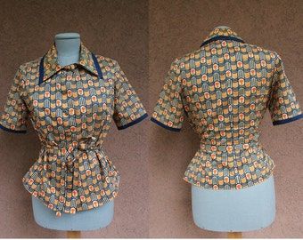 SALE! 1970's Wigert Couture Peplum Blouse – 70's French Blouse Pointed Collard - African Motif - Size S