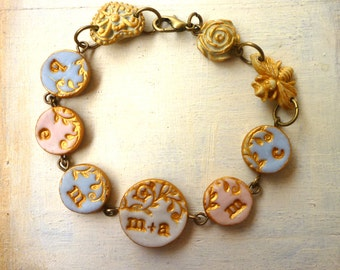 Mama Bracelet, Mom of 5, Multiple Initial Charms Bracelet, Couple and Kids Bracelet, Gift for mom, delicate, porcelain, gold, grandmother