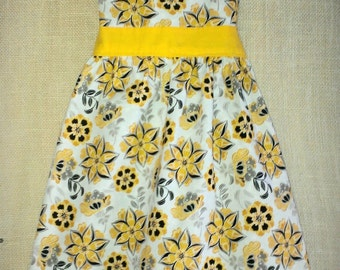 Reversible Adult/Child Retro Apron Grey and Yellow Floral Apron Yellow Flower Apron Grey Apron Matching Aprons