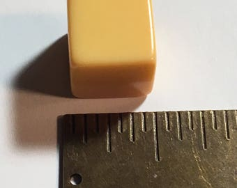 7/16 inch Cream Vintage Bakelite Cube Dice