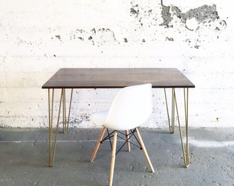Dining Tables & Desks