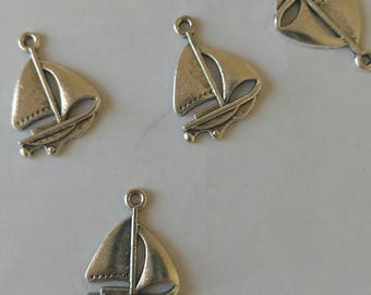 USA Seller..Lot of 5 Sailboat Charms..2 1/2 cm