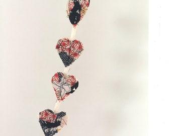 Mini heart strings
