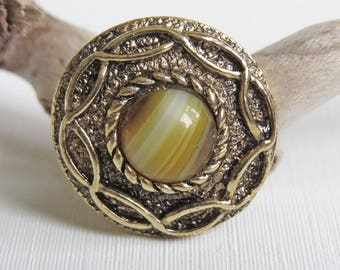 Scottish Celtic Knot Glass Agate Stone Adjustable Ring - Chunky Gold Tone Ring - Costume Dress Ring