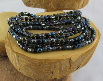 Black Cat set of six stretchy seed bead bracelets size S small 6 1/2 inches
