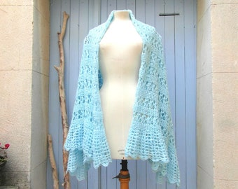 Large handmade vintage shawl, wool scarf, blue crochet shawl, winter scarf, crochet lace throw, vintage clothing, retro clothes