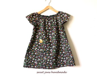 GIRLS  BLOUSE / size 4T / vintage calico print with wooden button