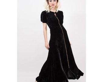 1930s gown / Vintage black silk velvet dressing gown / Luxurious zip front robe / Puff sleeves / Czech glass beads / Long velvet dress / S