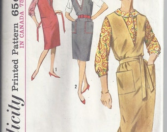 Simplicity 5067 Vintage Pattern from early 60's, V neck jumper and fitted blouse. Bust 36