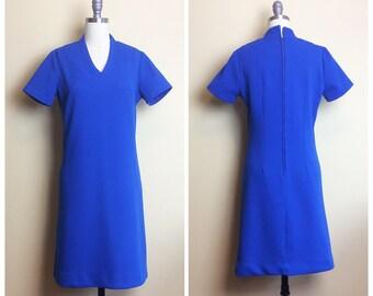 60s Cay Artley Polyester Bright Blue Shift Dress / 1960s / Sixties / Vintage Poly Short Sleeve Mod Mini Dress / Medium