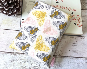 Medium Bee Book Buddy, Pastel Book Sleeve, Indie Book Bag, Bookstagram Accessory, Padded Hardback Paperback Cover, Travel Book Pouch