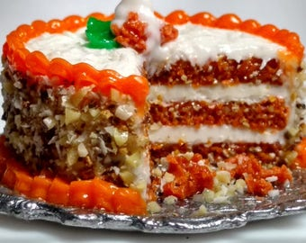 Miniature Carrot Cake 1:12 Scale miniatures dollhouses food cakes