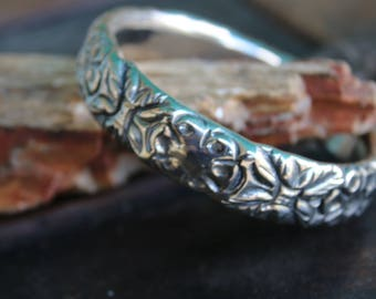 VINTAGE BANGLE BRACELET, Silver tone, Floral Design