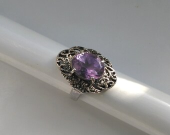 Vintage Sterling Silver Filigree Amethyst Ring . 925 Sterling Silver Ring . Amethyst Crystal Ring . Light Purple, Lilac . Engagement Ring