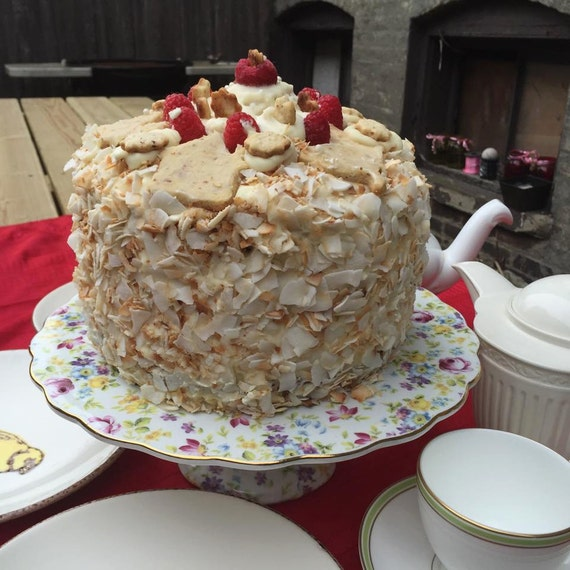 Vegan Vanilla Coconut Raspberry or Strawberry cake!