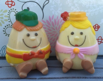 Very Cute Anthropomorphic Egg Salt and Pepper Shakers
