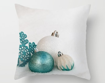 White Holiday Pillow Covers, Decorative Throw Pillow Cover, Christmas Home Decor Handmade in Canada, Turquoise Accent Bed Cushion Cover