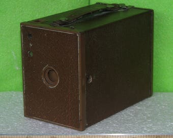 Photographica, No 2 Brownie Camera, Model F, in Brown Color, Made by Eastman Kodak from 1929 to 1933