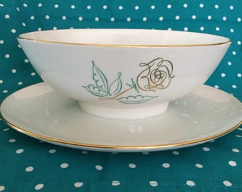 Gorgeous Easterling Spencerian Rose Gravy Boat with Attached Underplate - Bavaria Germany
