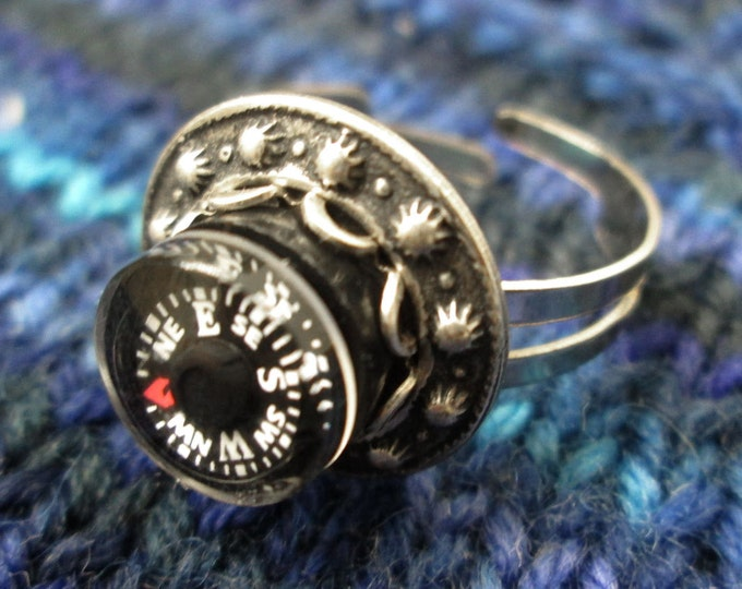 Mini Compass Ring - Metal Rivet Circle - Silver Tone