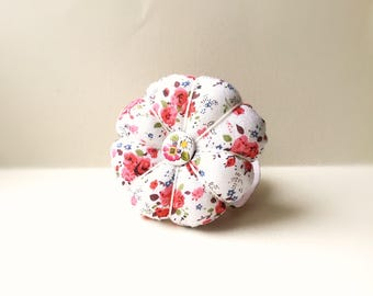 Handmade Flower Wrist Pin Cushion ( Approximately 7-8cm )
