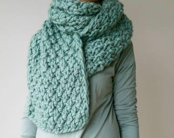 Oversized Knit Scarf Chunky