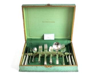 Art Deco Silverware Set Silverplate Flatware Oneida Prestige Plate Grenoble Service for 4 or 5, 1930s, with Storage Chest