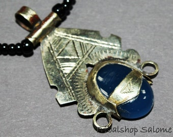 Tuareg Silver Necklace with Blue Agate Stone, Vintage African Jewelry from the Sahara Desert, Ethnic Jewelry, Touareg