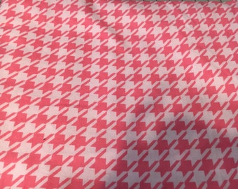 Pink houndstooth burp cloth personalized