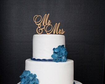 Mr and Mrs Cake Topper Personalized  Wedding Cake Topper bride and groom Wooden Rustic Wedding Topper Wood Cake Topper