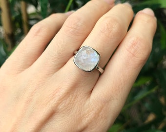 Moonstone Square Faceted Stack Ring- Boho Iridescent Gemstone Ring- Simple Blue Moonstone Silver Ring- June Birthstone Ring