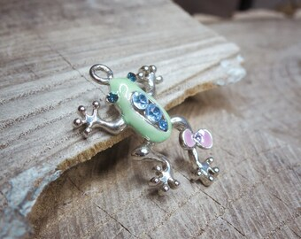 Frog Pendant Charms ~1 pieces #100998