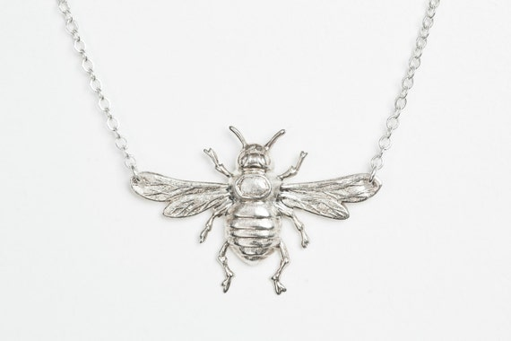 Silver Bumblebee Pendant - 40mm t82XXKD9p