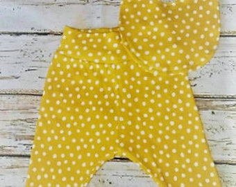 Organic baby clothes, Mustard Yellow & White Polka Dot Joggers, Baby Harem Pants, Bandana Bib, Baby leggings, Baby Shower Gift, New Mom Gift