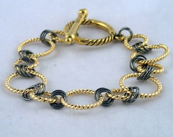 """Ring-a-ding Bracelet in gold - 6"""" chain bracelet in gold with gunmetal"""