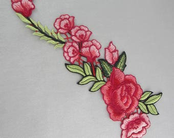 Red Floral Applique Embroidery Patches Green