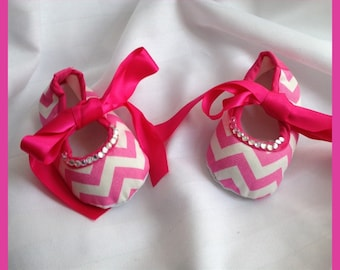 CLEARANCE: Chevron Baby Girls Size 0-6 Months Hot Pink White Satin Ribbon Shoes w/Crystals Rhinestones Popular