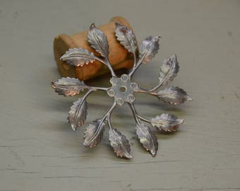 Steel Circle of Leaves - Made in USA