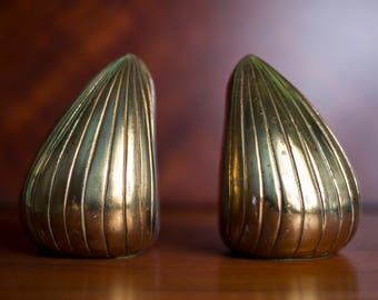 """Mid-Century Brass """"Clam"""" bookends Ben Seibel for Jenfred-Ware"""