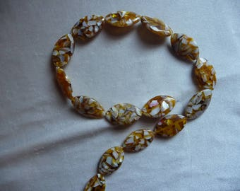 Beads, Mother of Pearl Shell and Resin, assembled, 20x15mm Flat Oval, Shades of Brown.  Sold per 15 inch strand.