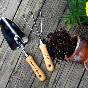 Personalized Garden Tool Set- Hand Trowel- Short Shovel- Gardener Gift - Gift for mom- Retirement Gifts - Hand engraved- Garden Knife