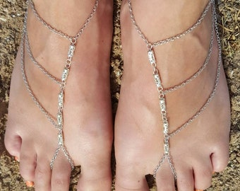Simple Chained Barefoot Sandals (10-11)