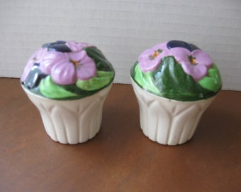Lavender Flowers Salt and Pepper Shaker Set